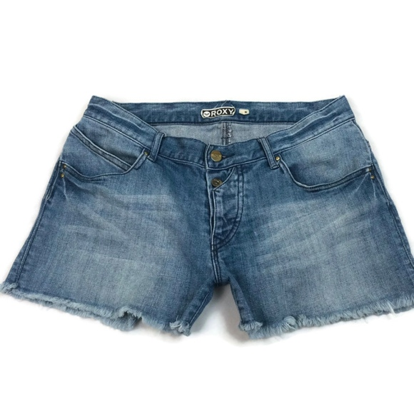 3ac43a4314 Roxy Women's Blue Raw Hem Denim Shorts Size 5. M_5bd8c0e2534ef917244ed5eb